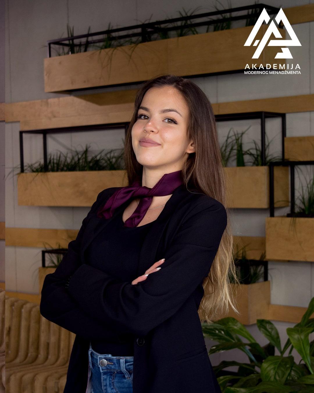 Aleksandra Krosnjar-min