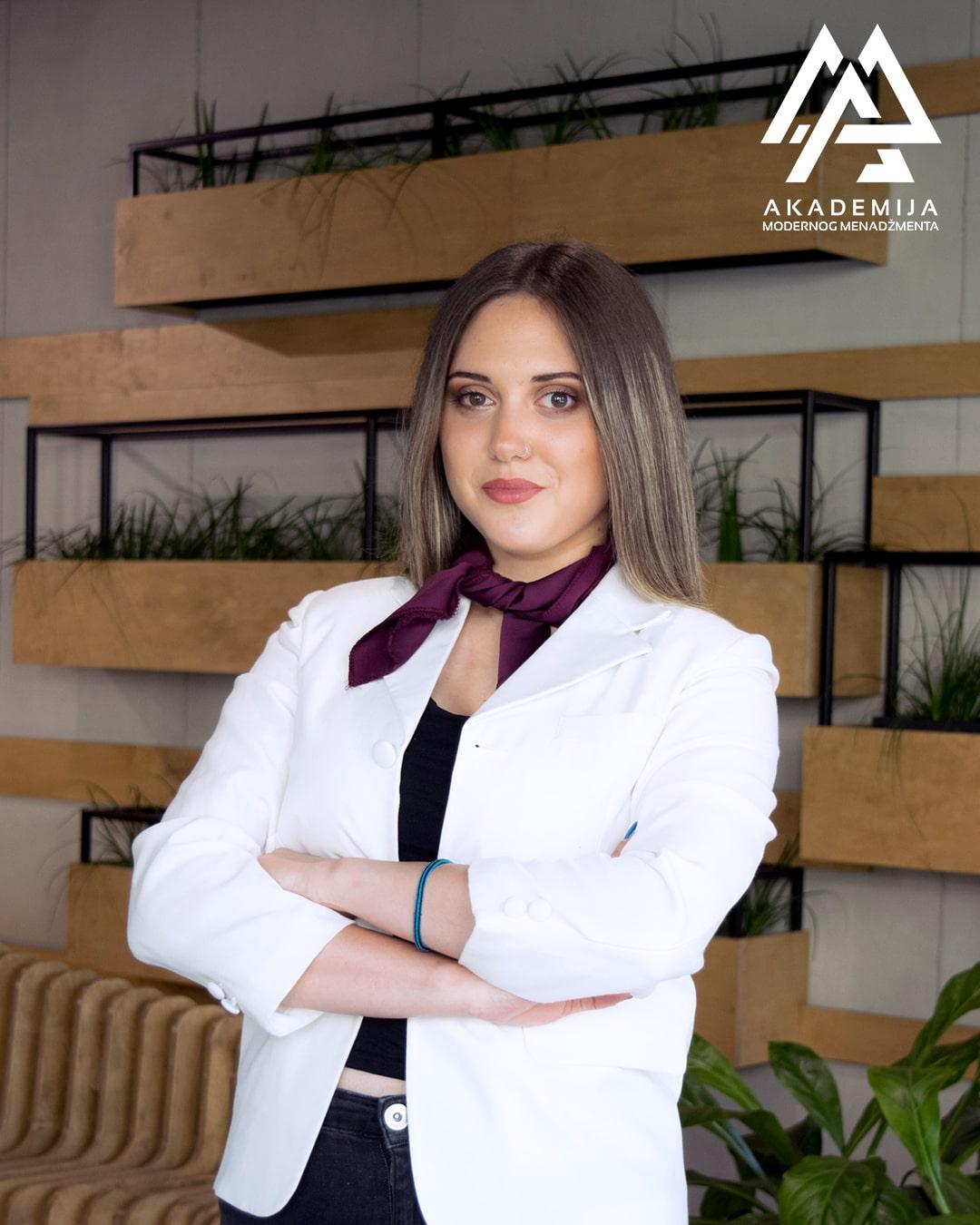 Milica Stojakovic-min