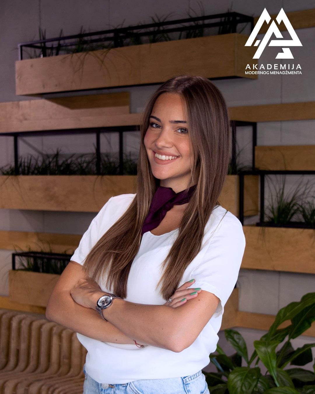 Nadja Stojancevic-min